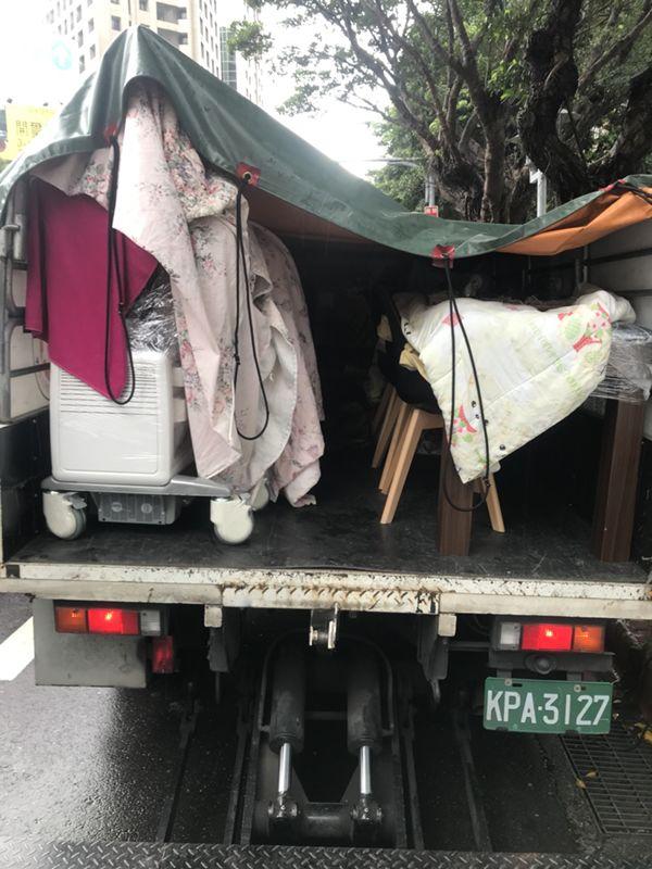台北搬家案例.台北醫學大學庫房整理文件資料搬運4