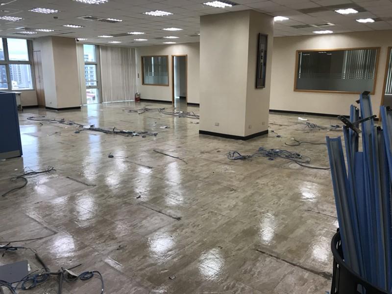 新北市搬家案例.搬運企業捐贈的辦公用品至新莊輔大附醫2