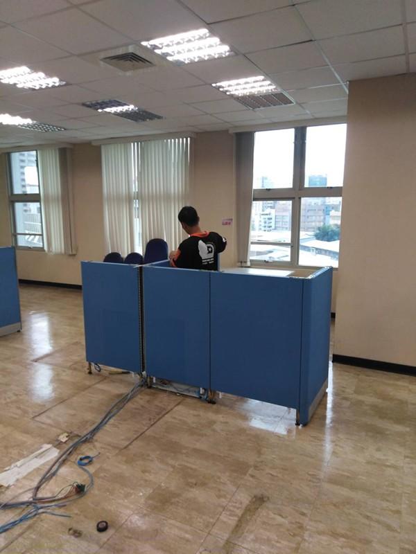新北市搬家案例.搬運企業捐贈的辦公用品至新莊輔大附醫3