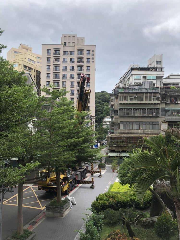 台北市內湖區搬家案例.鮮米自動販賣機鮮米機社區內搬運移動2